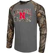 Colosseum Athletics Men's Nebraska Cornhuskers Grey/Camo Break Action Long Sleeve Shirt
